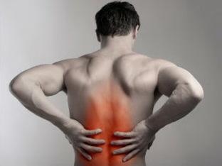 A causa del sollevamento di carichi pesanti dolori muscolari e delle articolazioni
